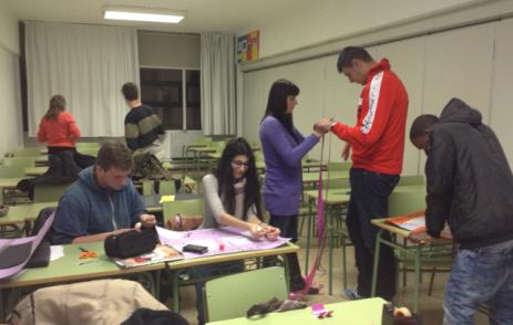 Estudiants del Curs específic d'accés a grau mitjà. 2014-2015